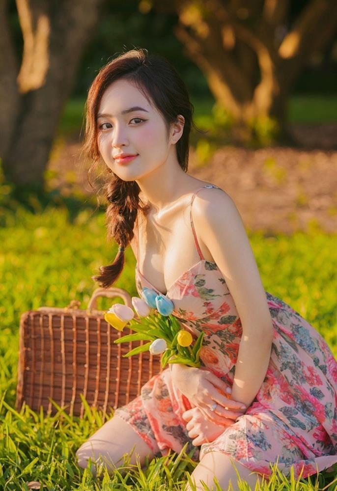 Clip nóng bỏng trên biển của hot girl Lê Phương Anh gây sốt-1