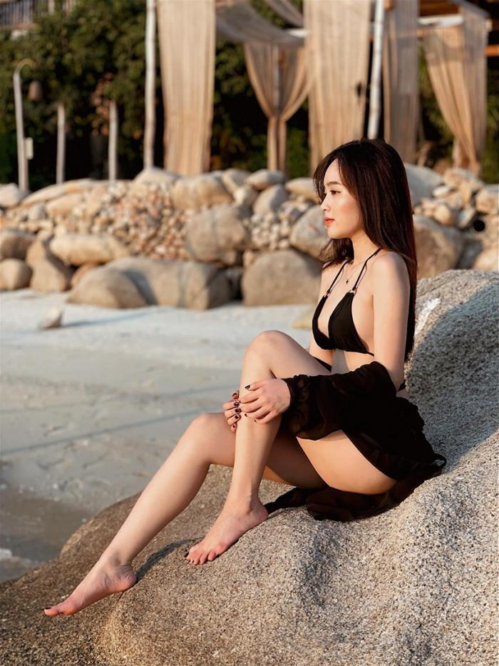 Clip nóng bỏng trên biển của hot girl Lê Phương Anh gây sốt-3