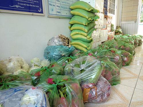 Clip dân Bình Thuận không được qua chốt kiểm dịch vì gạo không phải thực phẩm thiết yếu-3