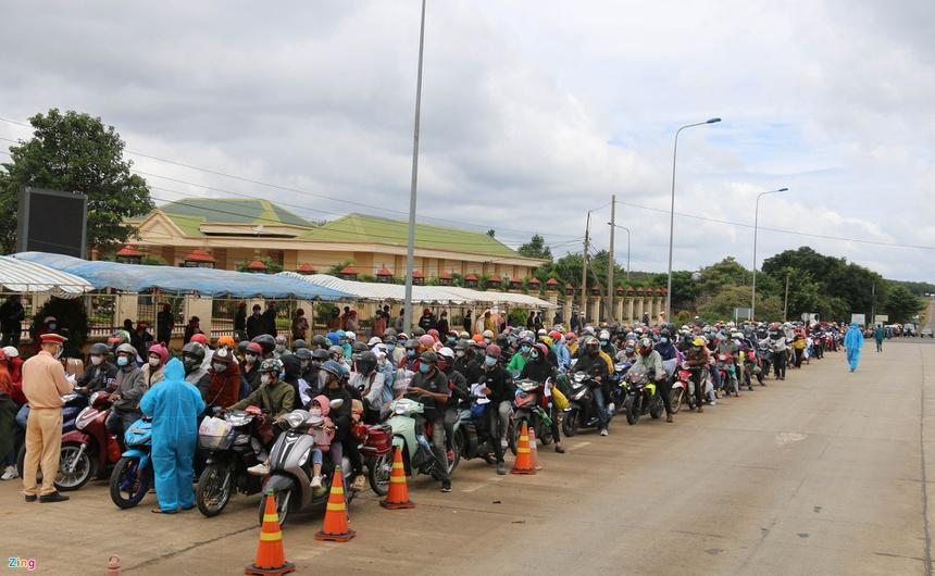 TP.HCM và 18 tỉnh, thành phía Nam giãn cách xã hội thêm 14 ngày-2