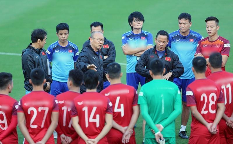 Thầy Park nắn chỉnh khi học trò phát ngôn tự tin hạ Trung Quốc-3