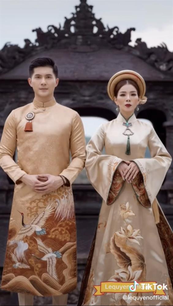 Bộ ảnh Lệ Quyên tình tứ với Lâm Bảo Châu bị nhận xét như 2 mẹ con-3