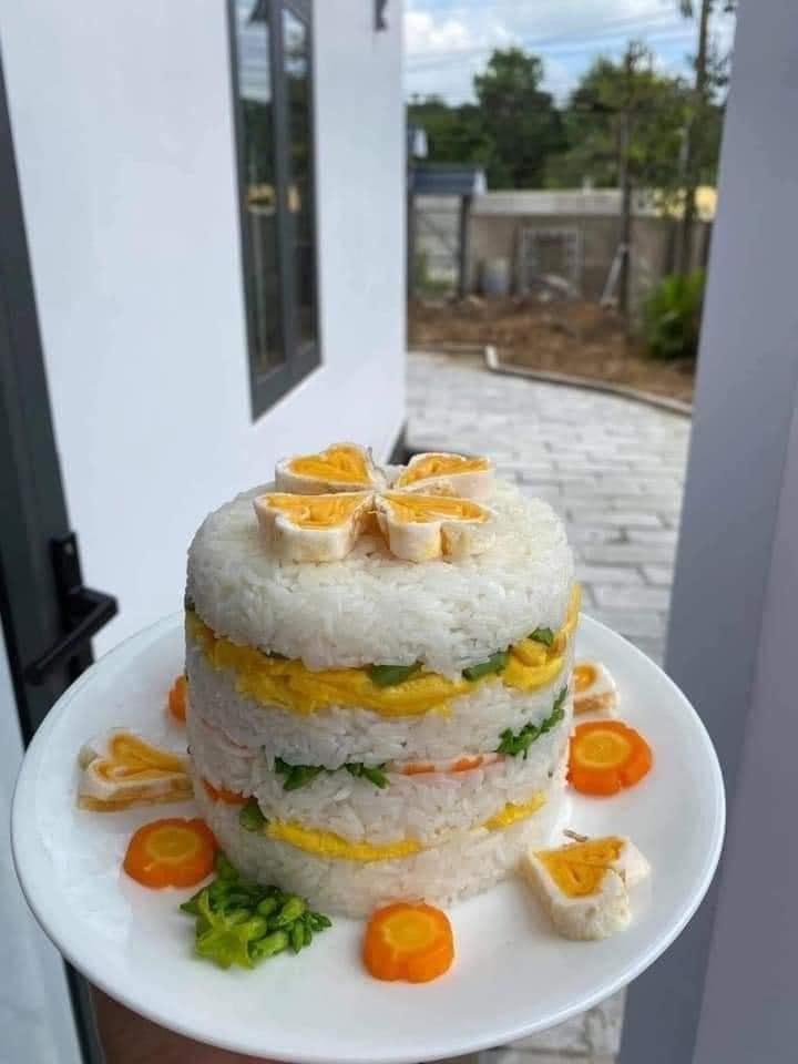 Những chiếc bánh sinh nhật mùa dịch hình dáng trăm năm có một-1