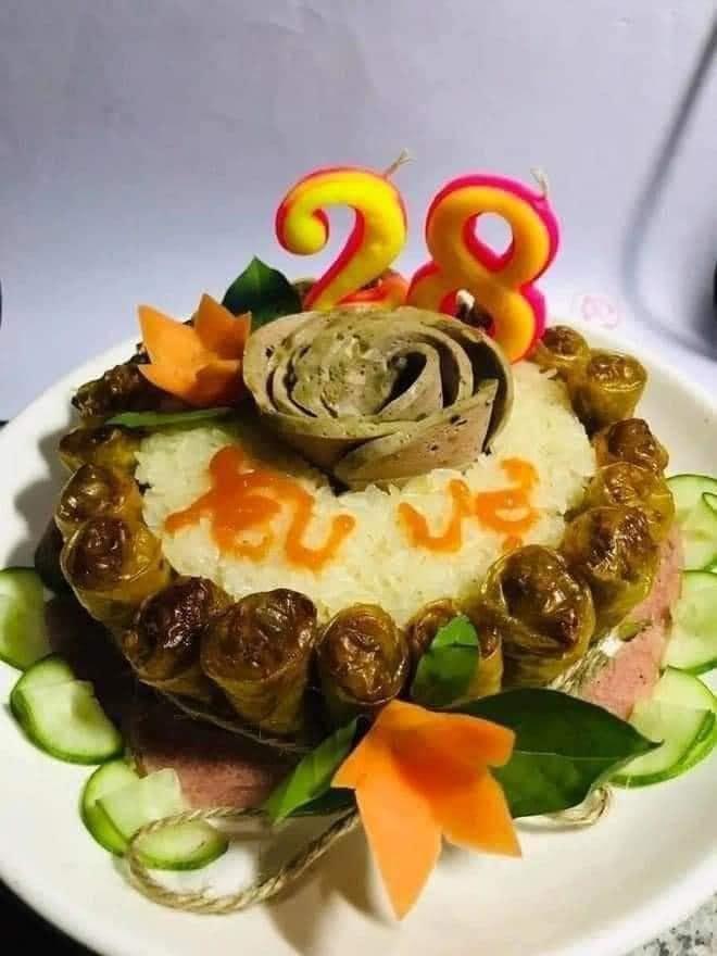 Những chiếc bánh sinh nhật mùa dịch hình dáng trăm năm có một-7