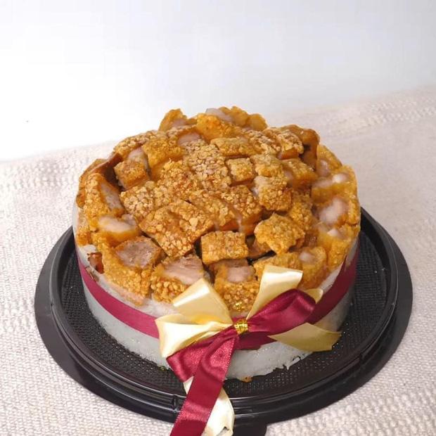 Những chiếc bánh sinh nhật mùa dịch hình dáng trăm năm có một-13