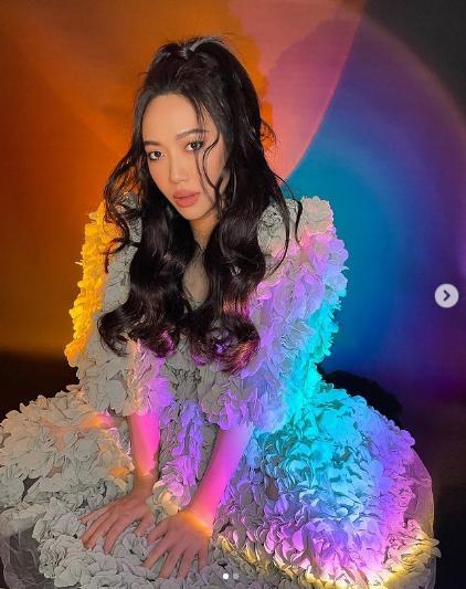 Thanh Hằng làm model tại gia, fan gào thét Không mặc quần à chị?-9