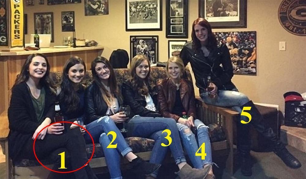 Xem là LÚ: Cánh tay lạ trong khung hình nhóm bạn 2k3 là của ai?-12