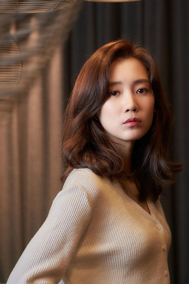 Người tình màn ảnh mới của Song Joong Ki bị chê kém sắc-8
