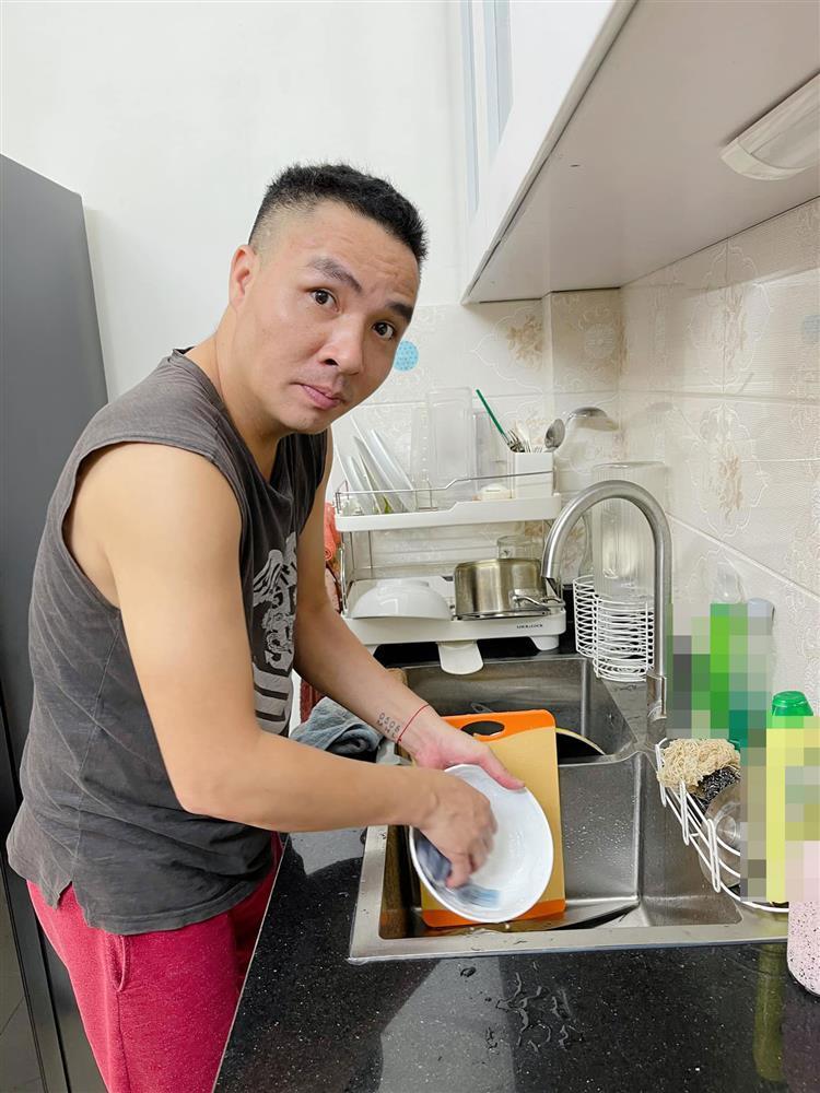 MC Hoàng Linh khoe anh xã cưng chiều, nhìn phát ghen-3
