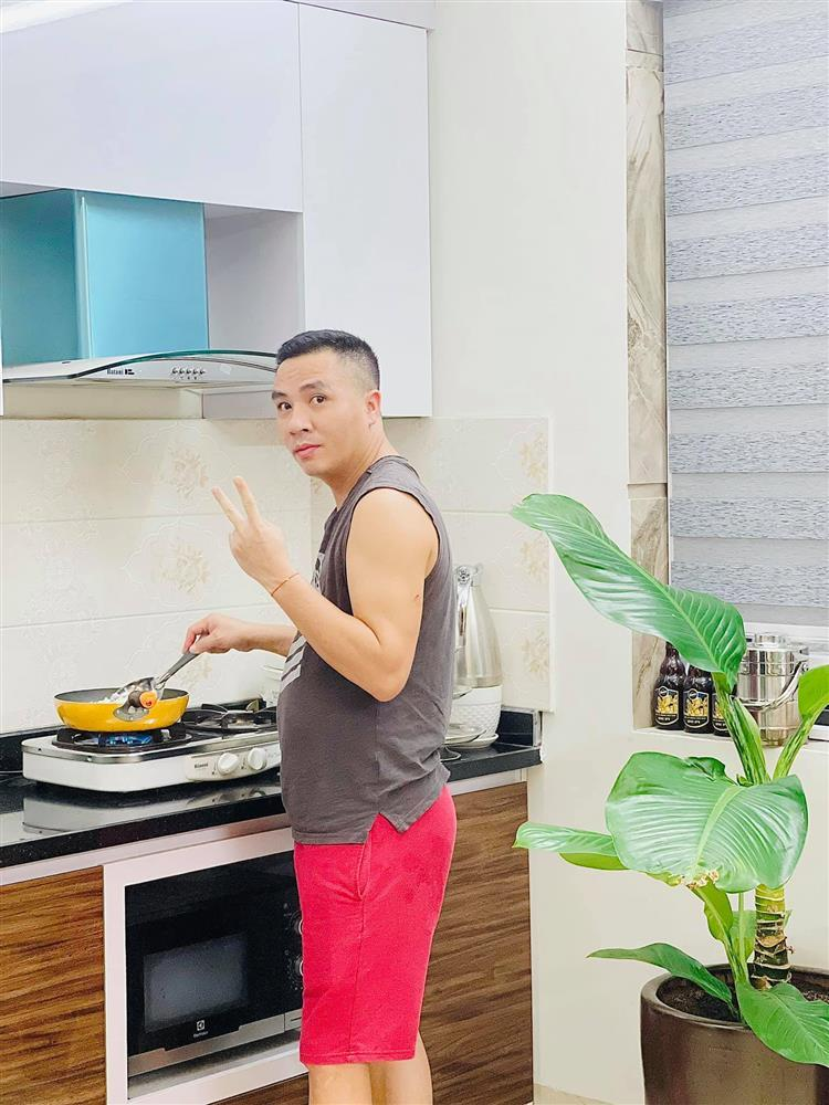 MC Hoàng Linh khoe anh xã cưng chiều, nhìn phát ghen-1