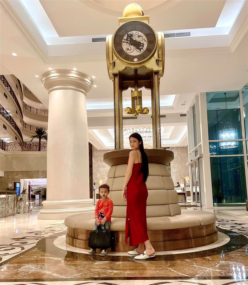 Con trai, em trai, giúp việc nhà người mẫu Kha Mỹ Vân mắc Covid-19-1