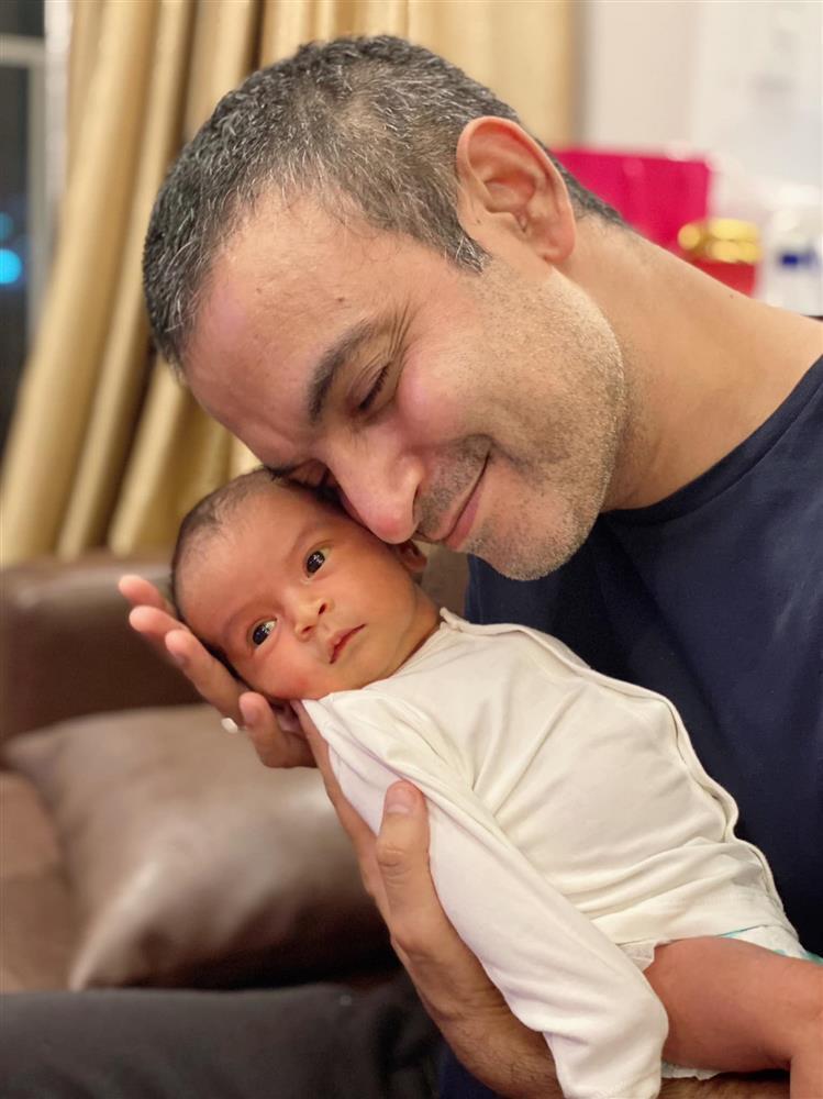 Võ Hạ Trâm: Mẹ chồng Ấn Độ thức cả đêm chờ cháu gái chào đời-2