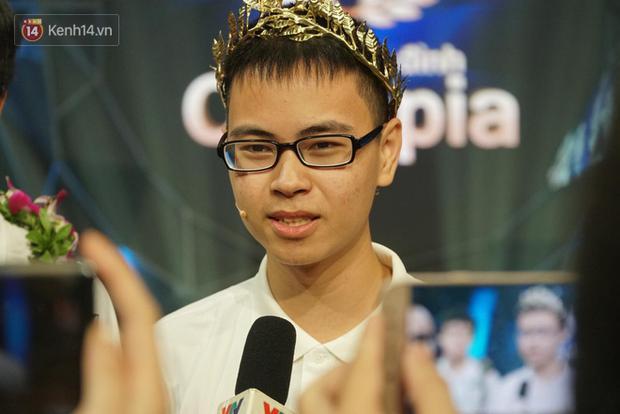 4 thí sinh Olympia dính phốt: Việt Thái nói tục chưa căng bằng hot girl ống nghiệm-5