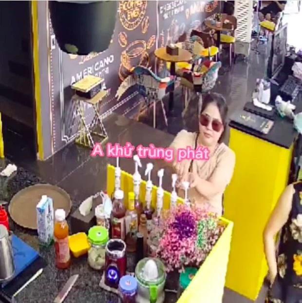 Rời tiệm cà phê, vị khách nữ có hành động khiến MXH dở khóc dở cười-1