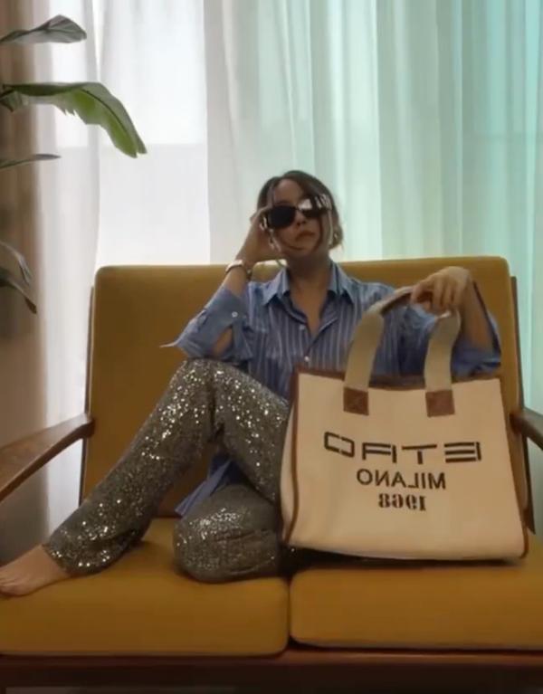 Jessica, HyunA mê mệt mẫu túi xách siêu to khổng lồ-4