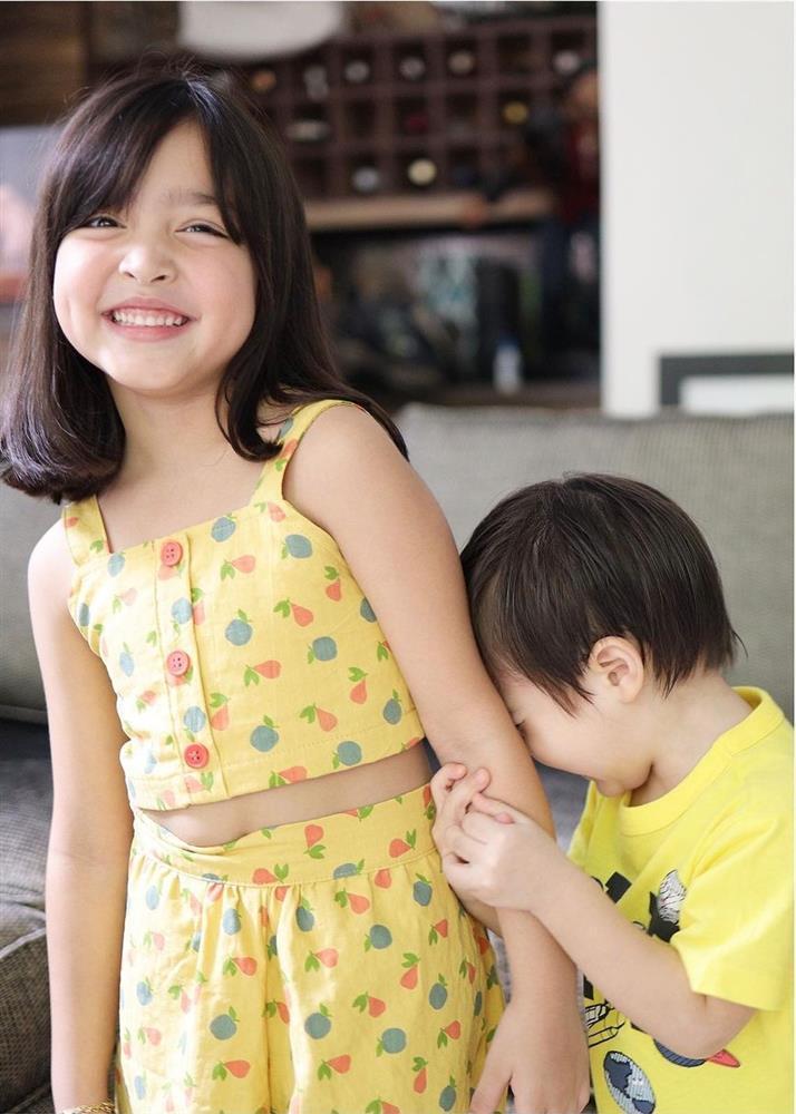 Mỹ nhân đẹp nhất Philippines khoe ảnh 2 con đẹp như tranh vẽ-2