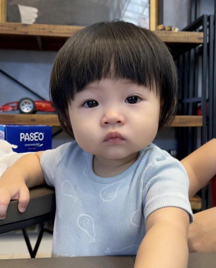 Con gái Cường Đô La được mẹ dìu chạy bộ giảm vòng eo-6