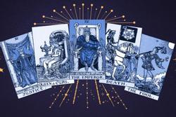 Bói bài Tarot thứ 4 ngày 4/8/2021: Tiền bạc danh vọng tới rồi!