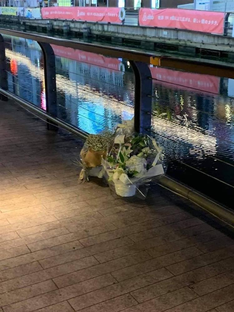Người dân đặt hoa tưởng niệm thanh niên Việt bị sát hại ở Nhật-3