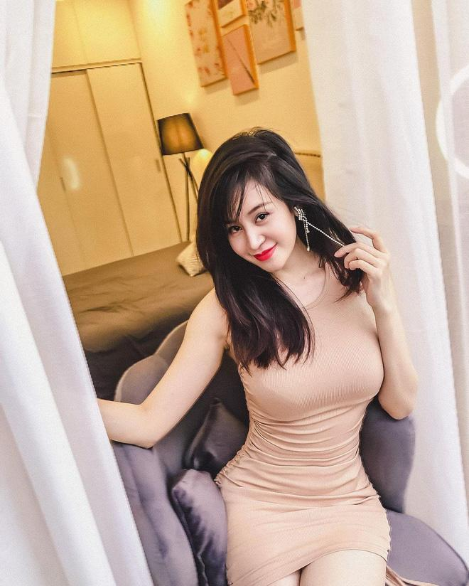 Loạt ảnh ở nhà căng đét của bà Tưng dư sức chặt chém các cháu 2k-3
