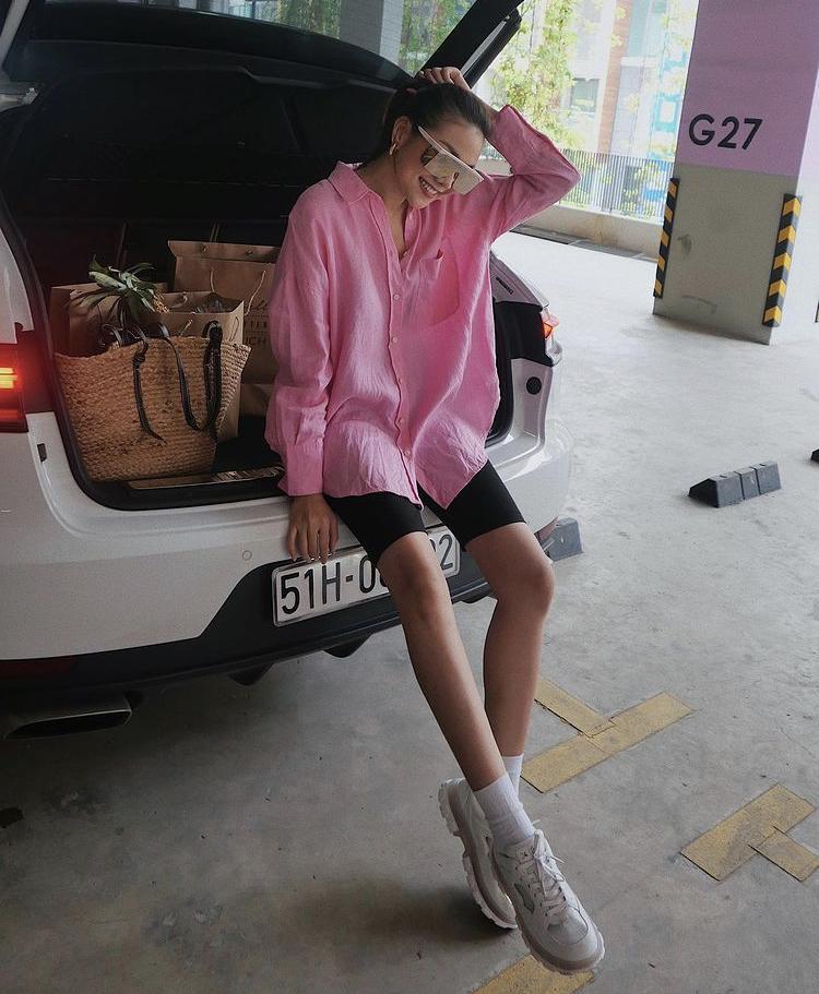 Học Minh Hằng, Đỗ Thị Hà mix quần biker shorts sành điệu-2