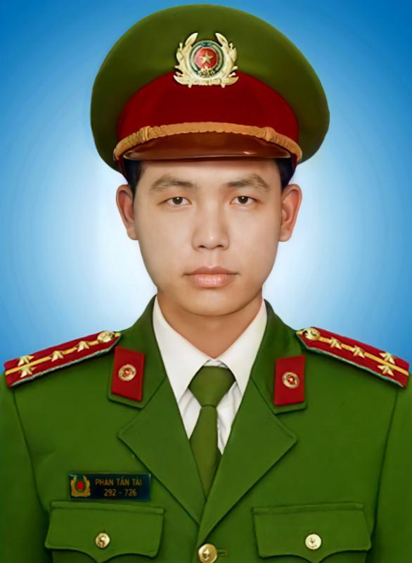 Chủ Tịch nước truy tặng Huân chương Chiến công hạng Nhì cho Đại úy Phan Tấn Tài-2