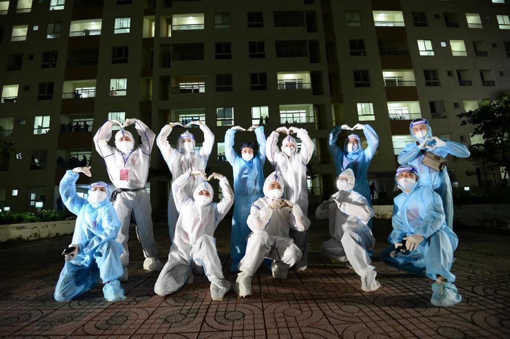 Tóc Tiên gặp cơn ác mộng tại bệnh viện dã chiến-7