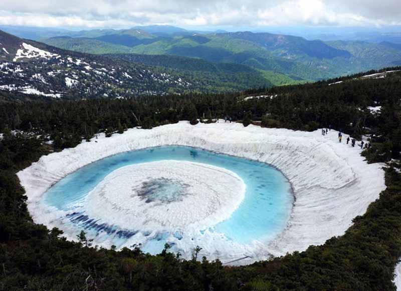 Hồ Mắt Rồng trong truyền thuyết, chỉ xuất hiện duy nhất vào mùa xuân-1