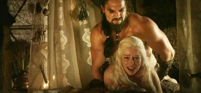 Sao nam Game Of Thrones đáp trả câu hỏi vô duyên về cảnh nóng-1