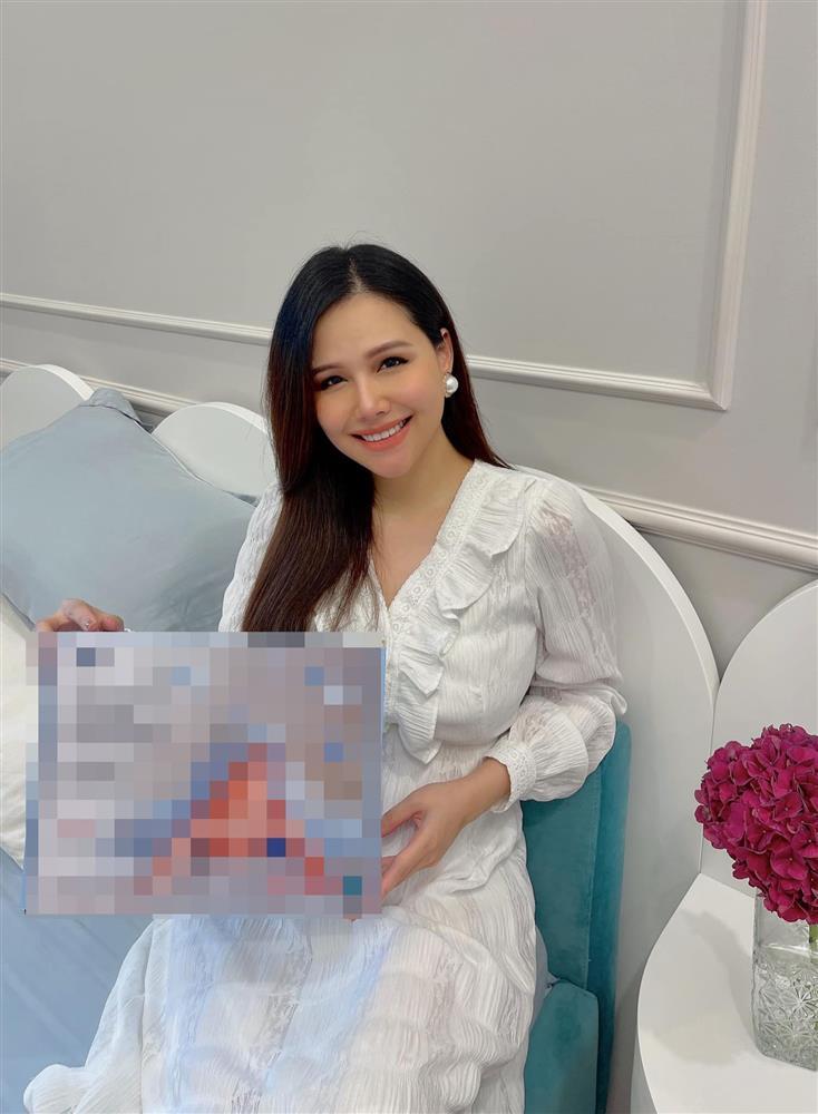Phanh Lee khoe cận nhan sắc sau 1 tuần sinh con cho chồng đại gia-1
