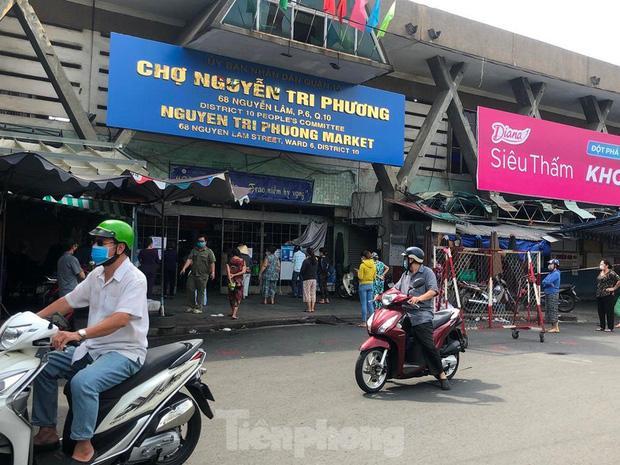 TP.HCM mở lại 14 chợ truyền thống-1