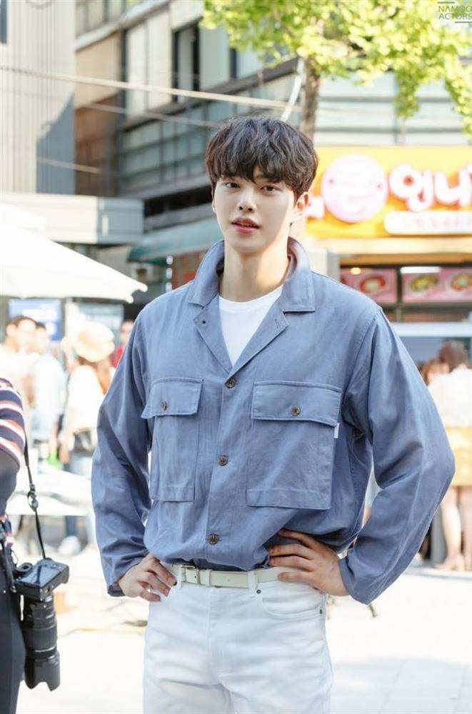 Song Kang Nevertheless vào vai trai hư nhưng lên đồ chuẩn thư sinh-6