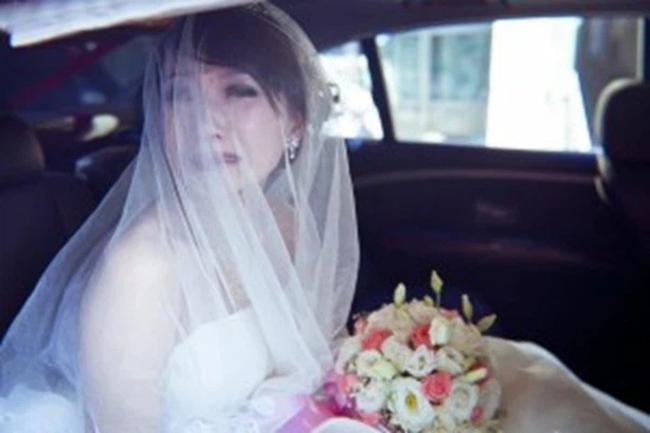 Trước ngày rước dâu, chú rể nhận tin nhắn: Biết bí mật chưa mà cưới?-1