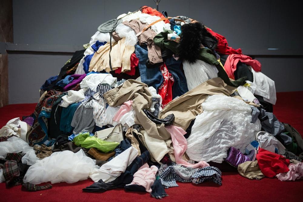 Thời đại bãi rác thời trang-1