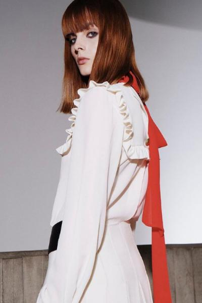 Fashion icon như bà xã Beckham cũng có lúc mặc xấu như búp bê ma-4
