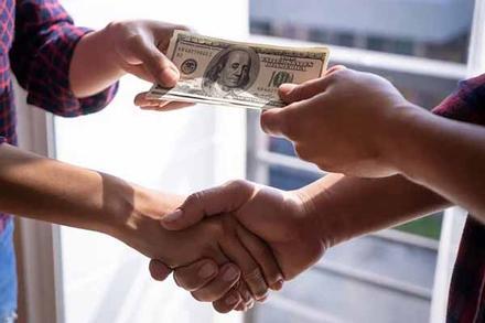 Cổ nhân dạy: 3 nơi có tiền đừng lui tới, 2 người không tiền đừng đến gần