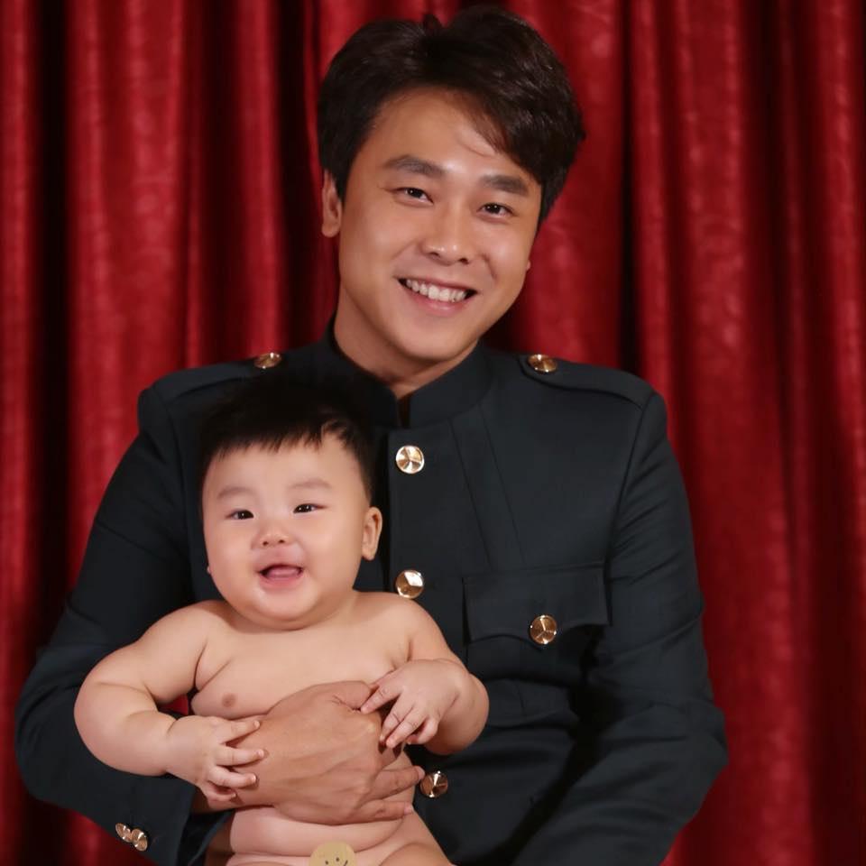 Hòa Minzy mồi chồng mua cho điện thoại mới, bị nói chưa đủ khôn-7