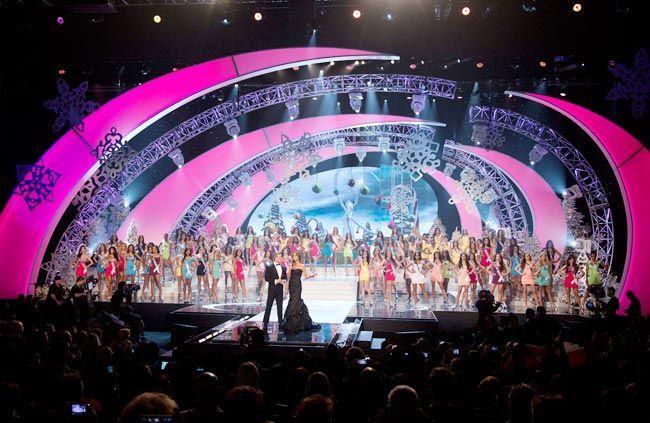 Sân khấu Miss Universe các năm: HHen Niê quá may khi thi 2018-3