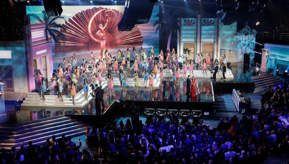 Sân khấu Miss Universe các năm: HHen Niê quá may khi thi 2018-5