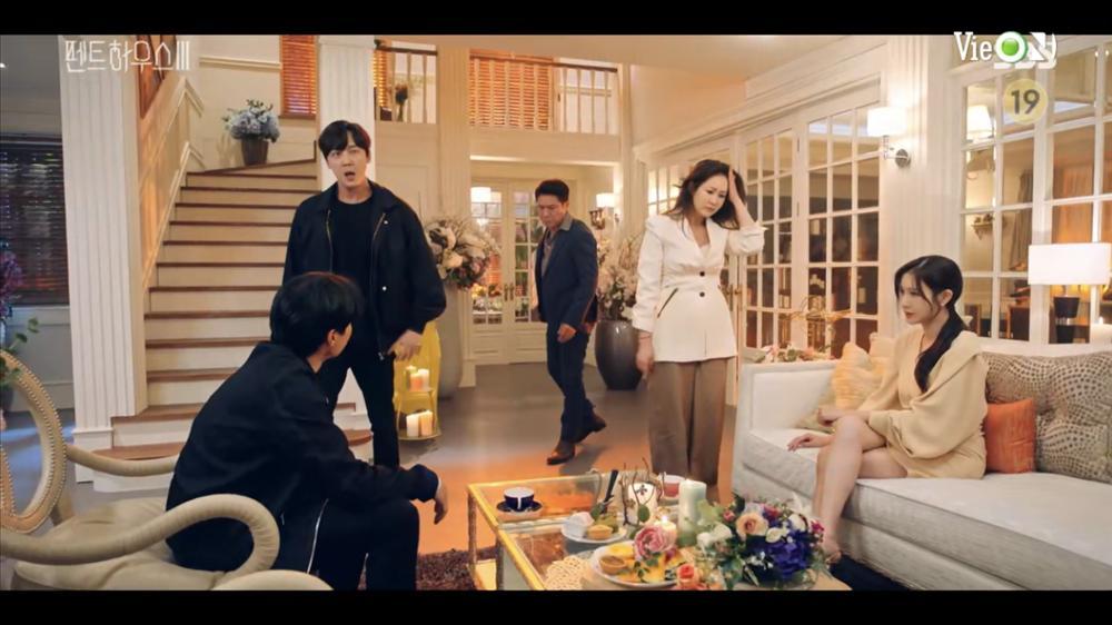 Penthouse 3 tập 10: Dượng Tê đi trại, Eun Byul giúp mẹ mất trí-3