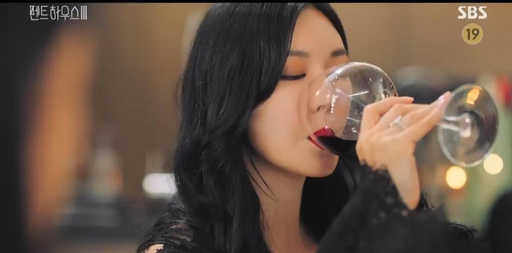 Penthouse 3 tập 10: Dượng Tê đi trại, Eun Byul giúp mẹ mất trí-17