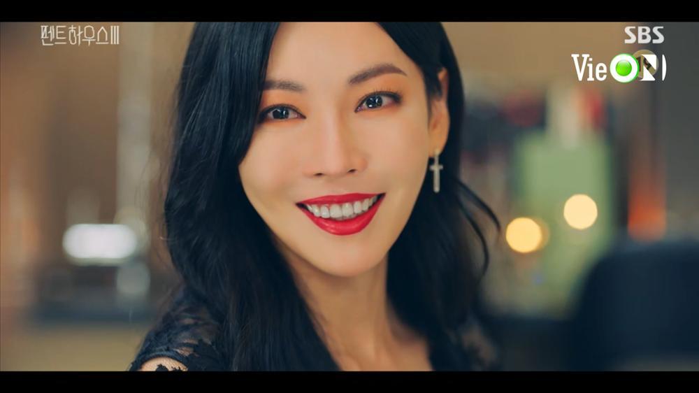 Penthouse 3 tập 10: Dượng Tê đi trại, Eun Byul giúp mẹ mất trí-16