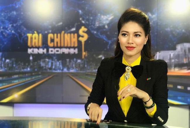 Hương Giang xuất hiện sau 5 tháng mất dạng, đấu giá đồng hồ 1 tỷ-5