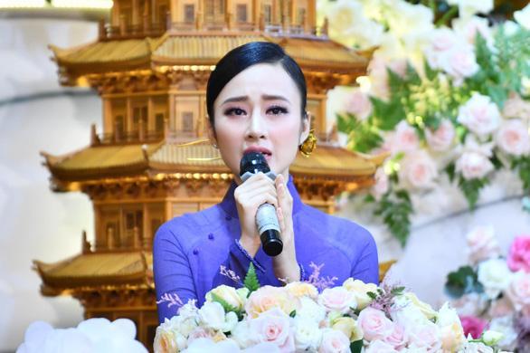 Angela Phương Trinh liên tiếp khẳng định nuốt giun chữa Covid-19-3