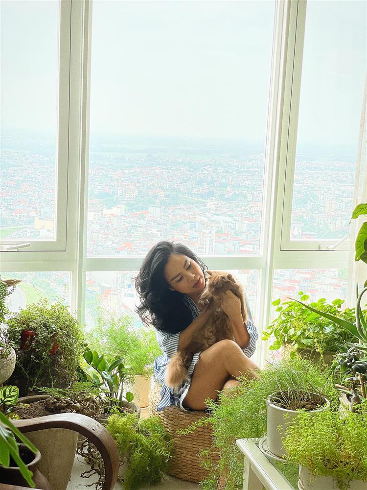 Tái hôn, U55 Thanh Lam giờ mặc style giấu quần sexy như gái 20-6