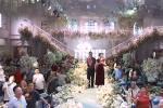 Cô dâu chú rể đi chống dịch, bố mẹ thay mặt hoàn thành nghi lễ