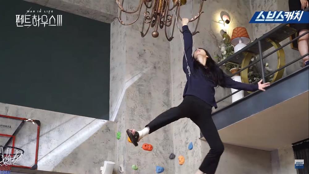 Penthouse 3: Dì Trinh diễn điên loạn khiến đạo diễn quên hô cắt-12