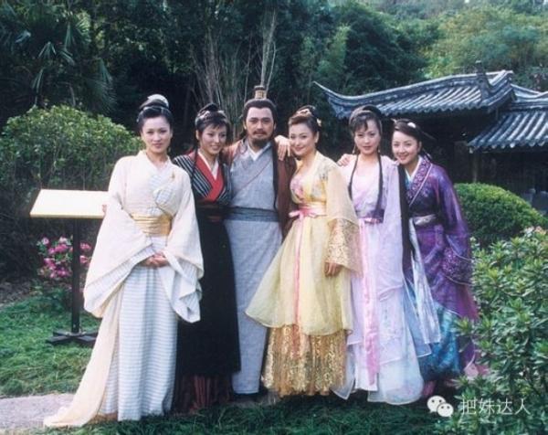 5 nhân vật sát gái nhất trong tiểu thuyết Kim Dung: Người 7 vợ, kẻ 5 tình nhân-2