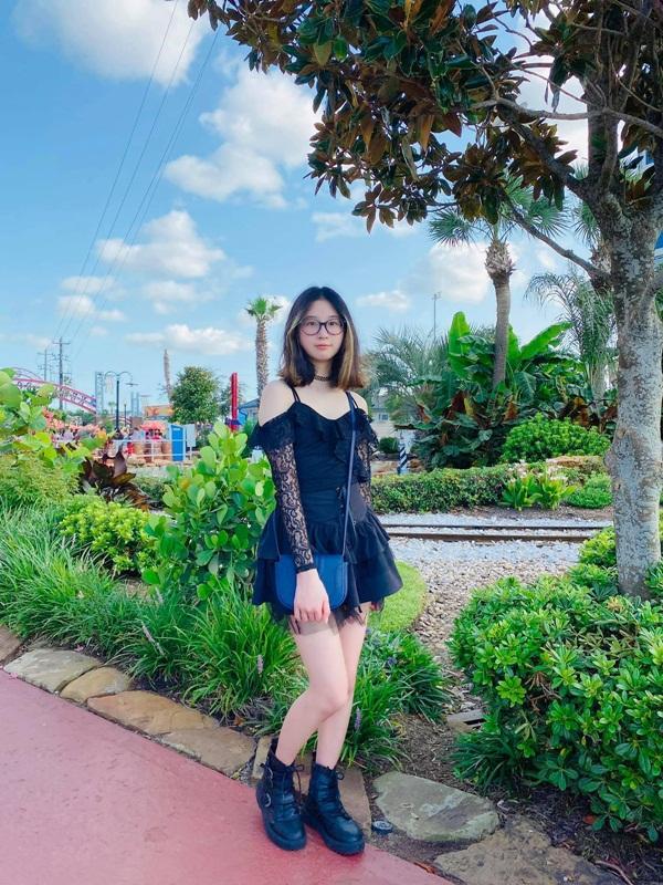 Con gái 12 tuổi của gái nhảy Minh Thư