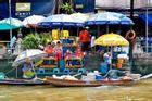 Khu chợ nổi ở Thái Lan vắng bóng người vì Covid-19